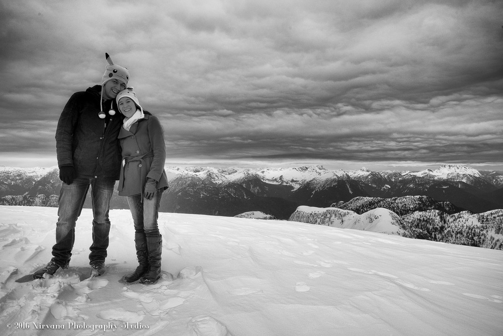 Bride and groom engagement photo in the snow