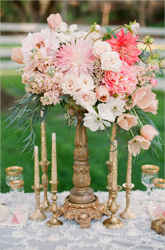 Floral arrangement for centerpiece