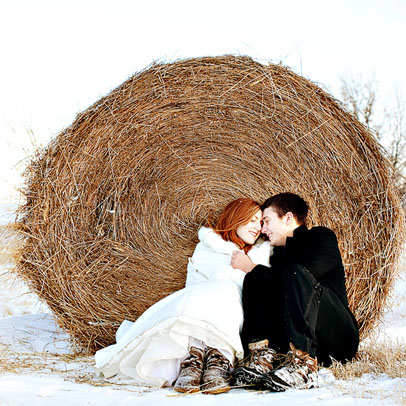 Winter wedding bride and groom romance